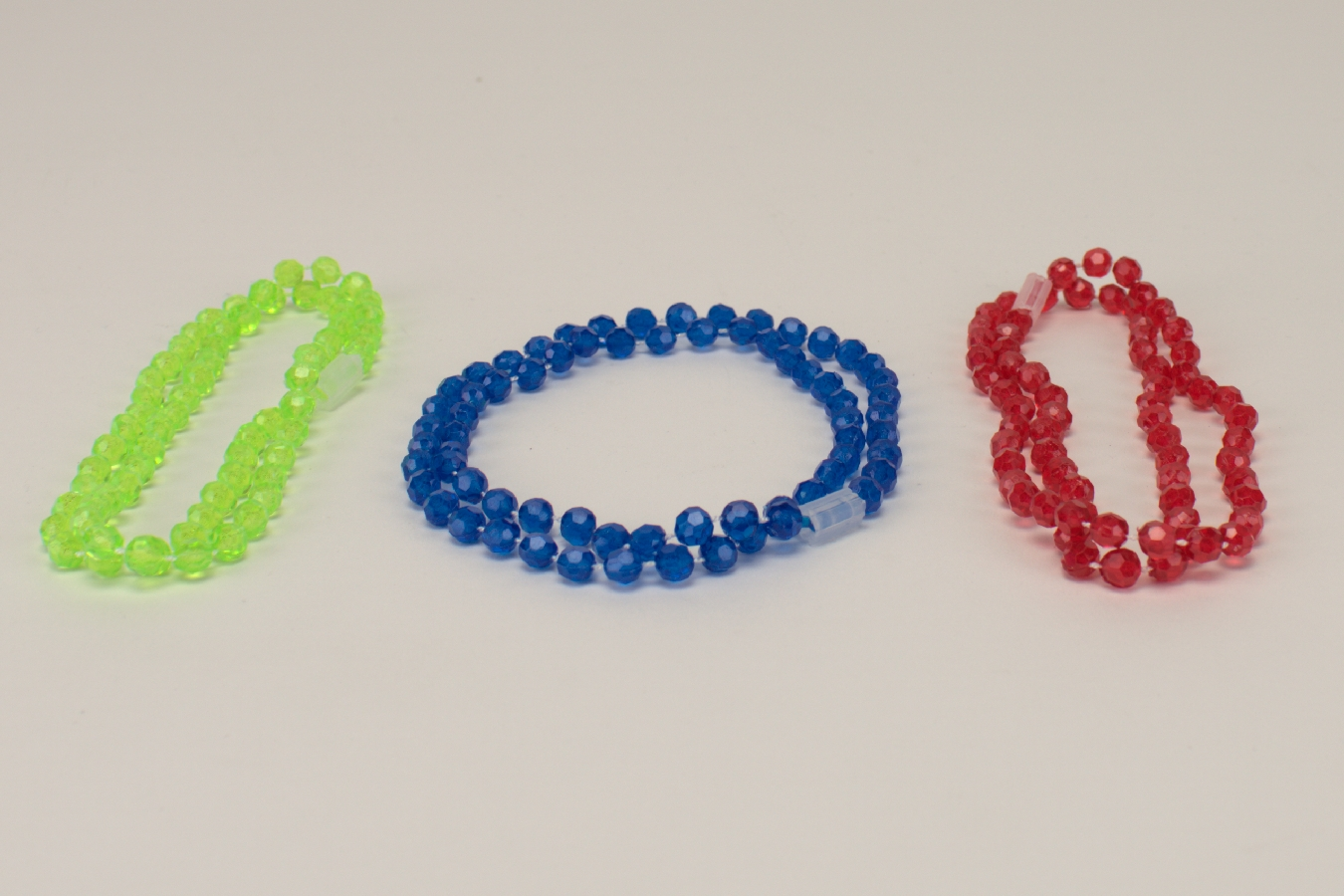 Spielzeug Armbänder/Halsketten 80St